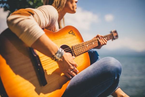 akustikgitarre-lernen-köln-ehrenfeld-musikschule meer