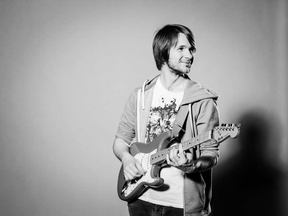 musikschule köln ehrenfeld jonas vogelsang gitarre blick zur seite