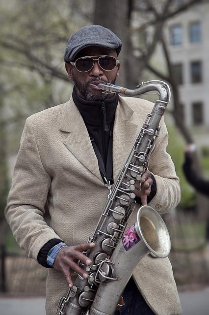 ehrenfelder-musikschule-köln-saxophon schwarzer mann