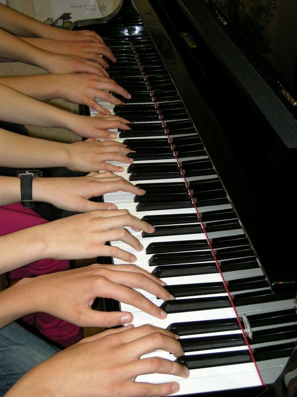ehrenfelder-musikschule-koeln-klavier-unterricht hände